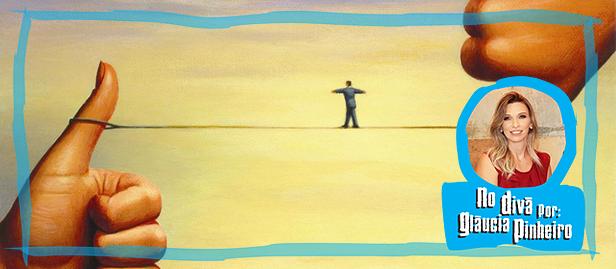 desenho de homem na corda bamba entre o certo e errado