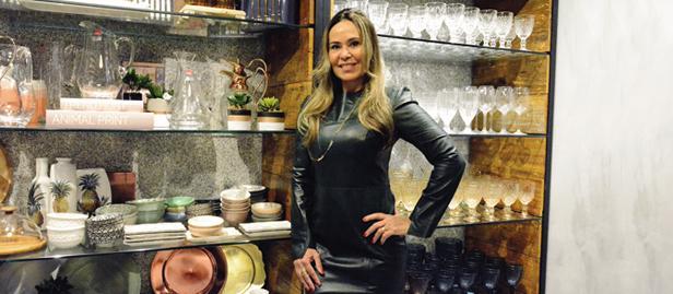 A empreendedora Andrezza Ferraz ampliou o leque de atuação no mercado, trazendo um pouco do seu gosto pela decoração da casa e da mesa posta.