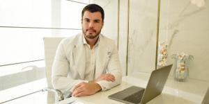 Dr. Igor Manhães é dermatologista e idealizador da Clínica Soma. Além de Macaé, ele também atende no Rio e São Paulo.