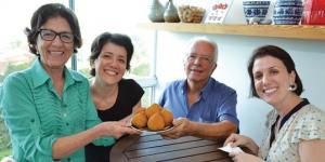 Célia, Juliana, Edison e Débora revelam os segredos da coxinha de galinha criada há 39 anos