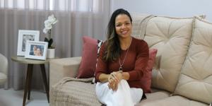 A Monique se formou em Arquitetura e Urbanismo em 2008, pela UFRJ, especialista em Acessibilidade pela Núcleo Pró-acesso UFRJ